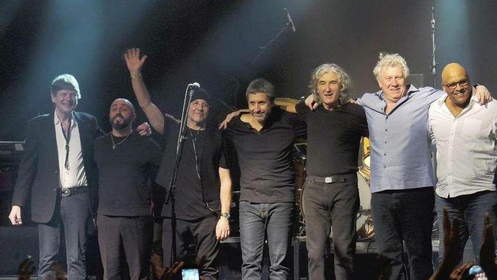 "Legacy: ""L'album '3Chord Trick' va oltre lo stile Dire Straits"""