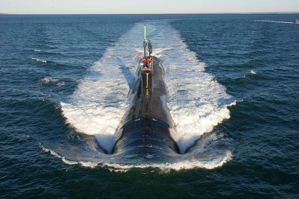 Come si nasconde un sottomarino