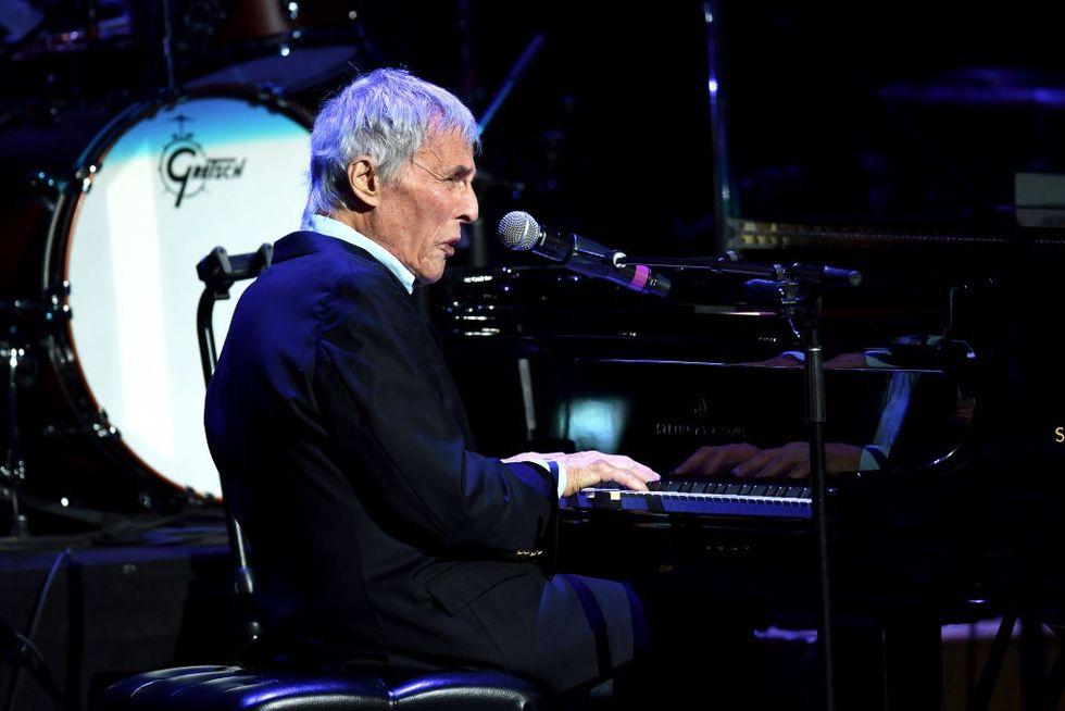 Burt Bacharach: 90 anni di melodie immortali