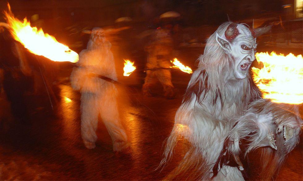 Natale, le 5 tradizioni più folli al mondo