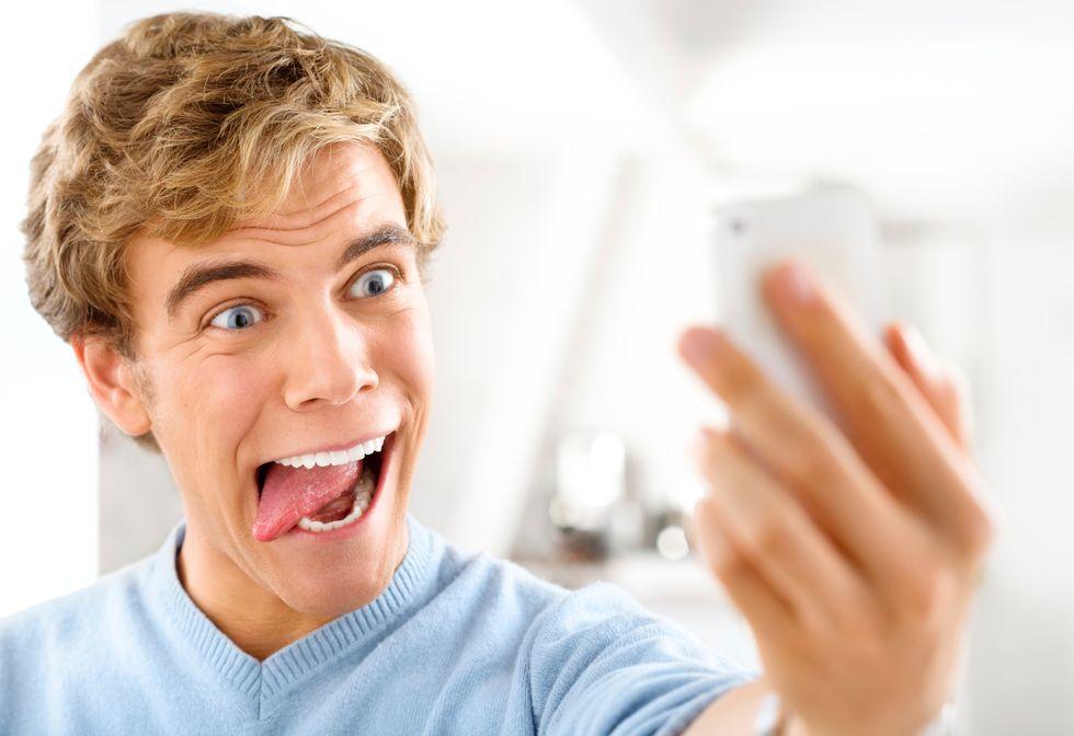 Uomini a rischio selfie