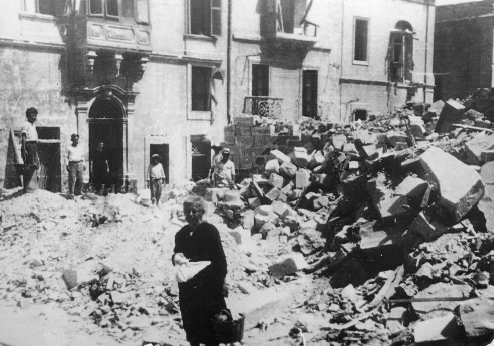 Un secolo di rapporti tra Malta e l'Italia (1919-2018). Storia e foto