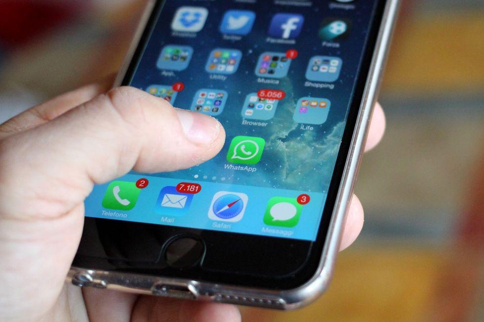 WhatsApp e Telegram: basta davvero una foto per essere hackerati?