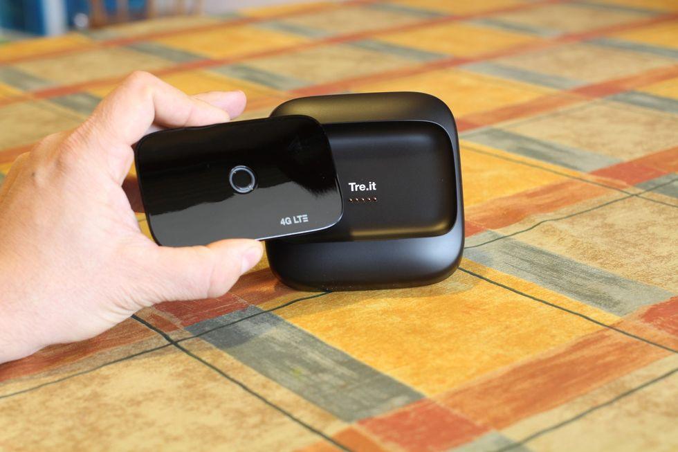 Tre PocketCube: ecco perché non è il solito router portatile