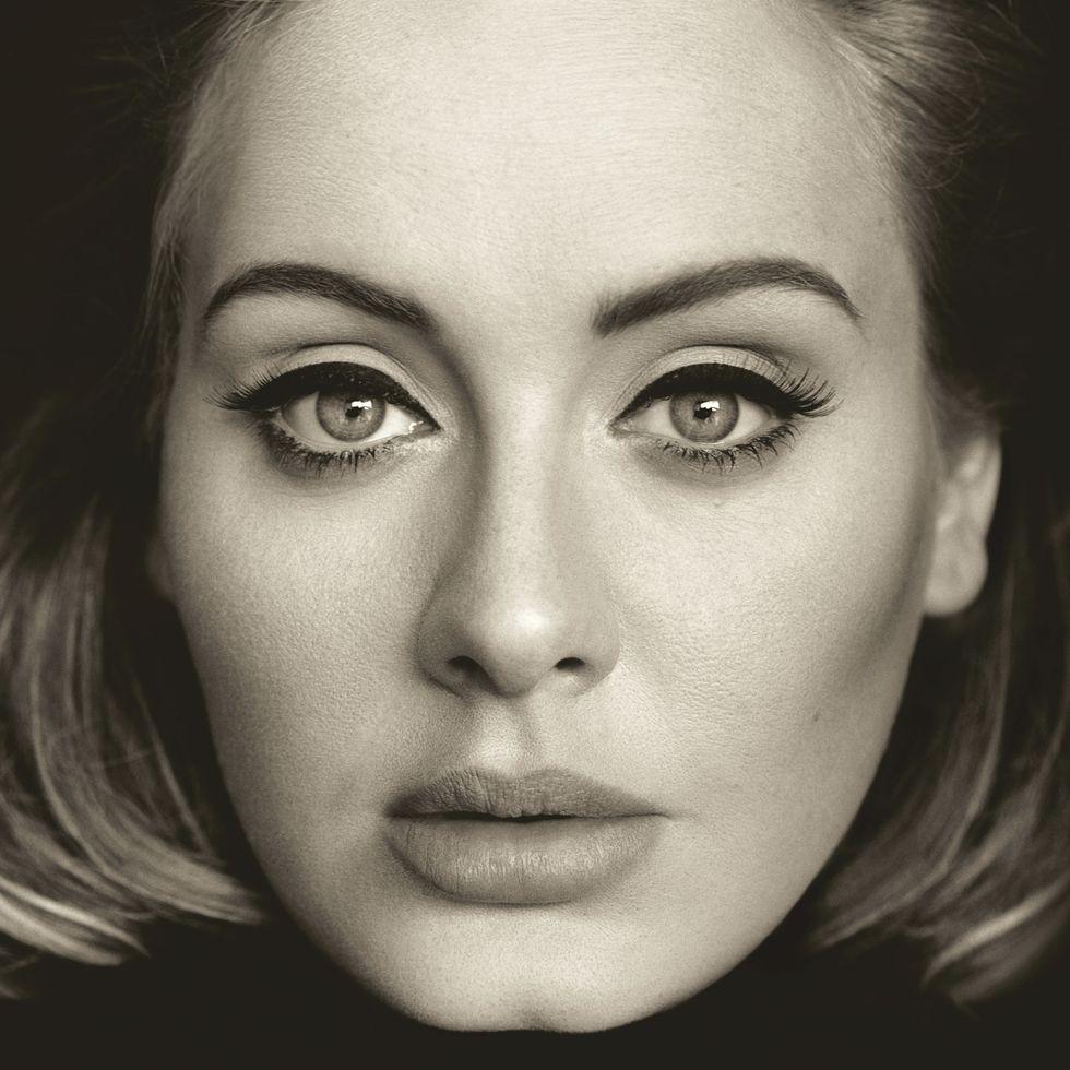 """Adele: il video di """"When we were young"""" registrato ai The Church Studios di Londra"""