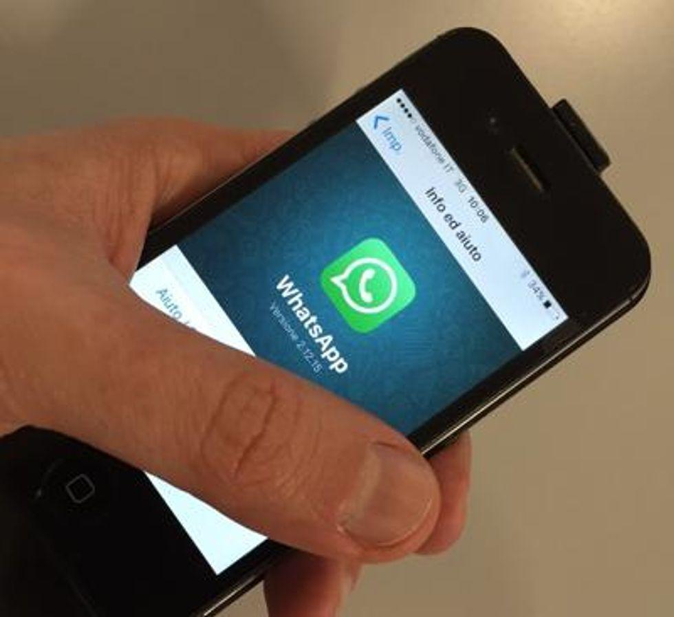 WhatsApp ci ripensa: tornano gli status di testo