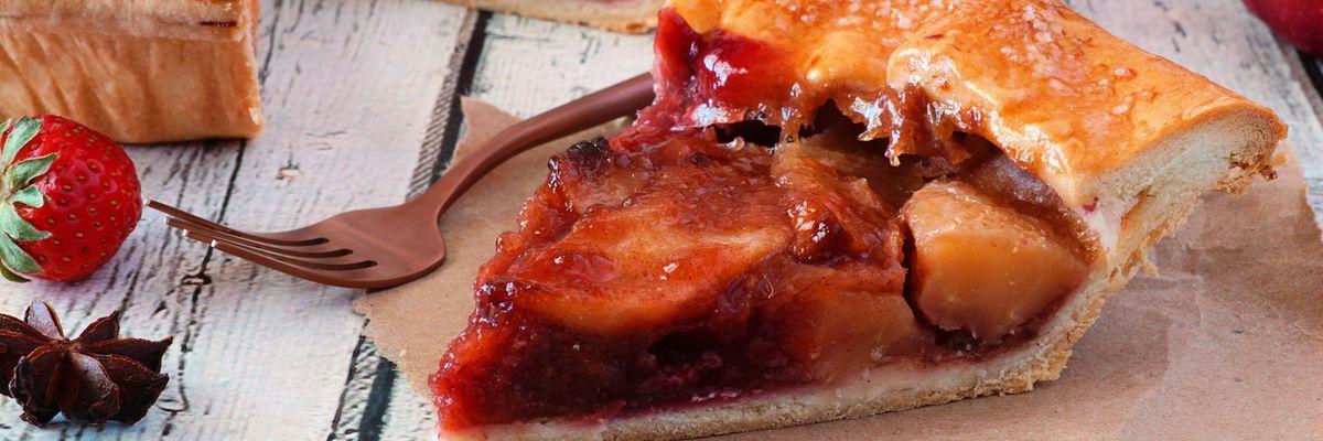 Cuciniamo insieme: torta morbida di mele e fragole