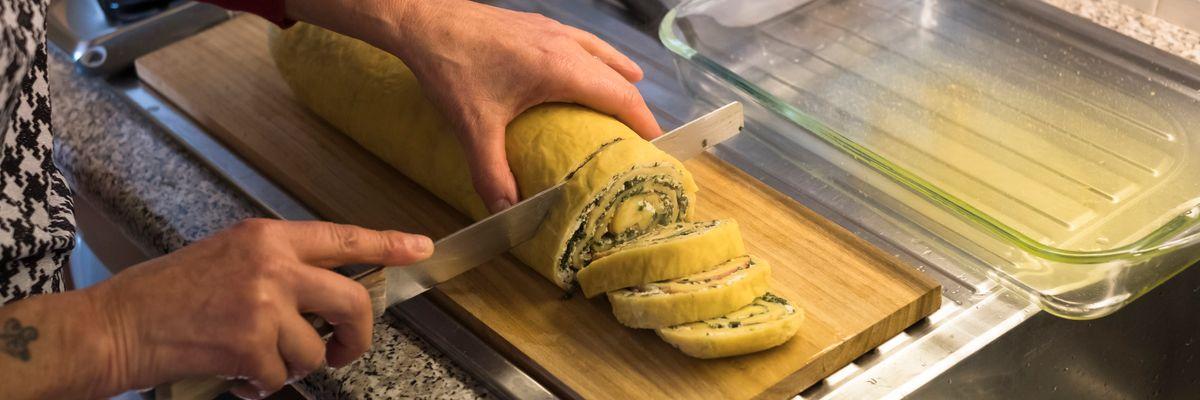 Cuciniamo insieme: rotolo di pasta lievitata con ricotta e asparagi