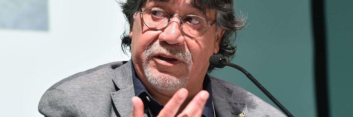 Luis Sepúlveda morto per Coronavirus: 5 libri (e 1 film) per ricordarlo