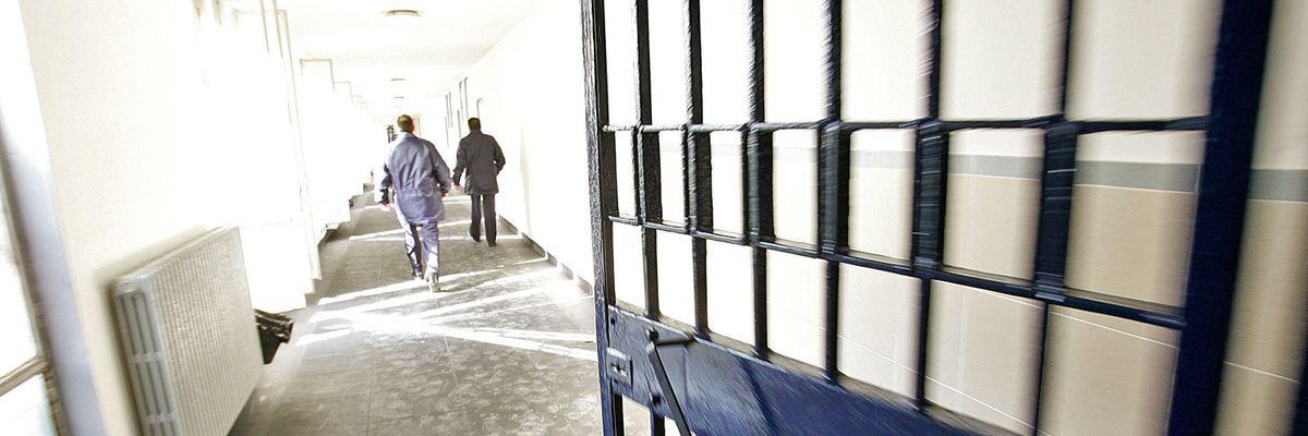 Mafiosi fuori cella: lo scandalo delle scarcerazioni non finisce più