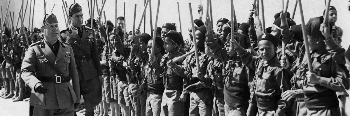 Mussolini, la costruzione del mito