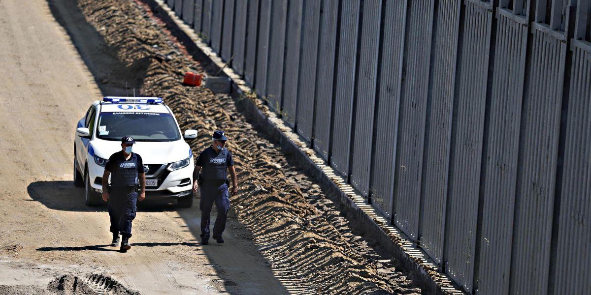 Altro che accoglienza, l'Europa vuole i muri anti-migranti