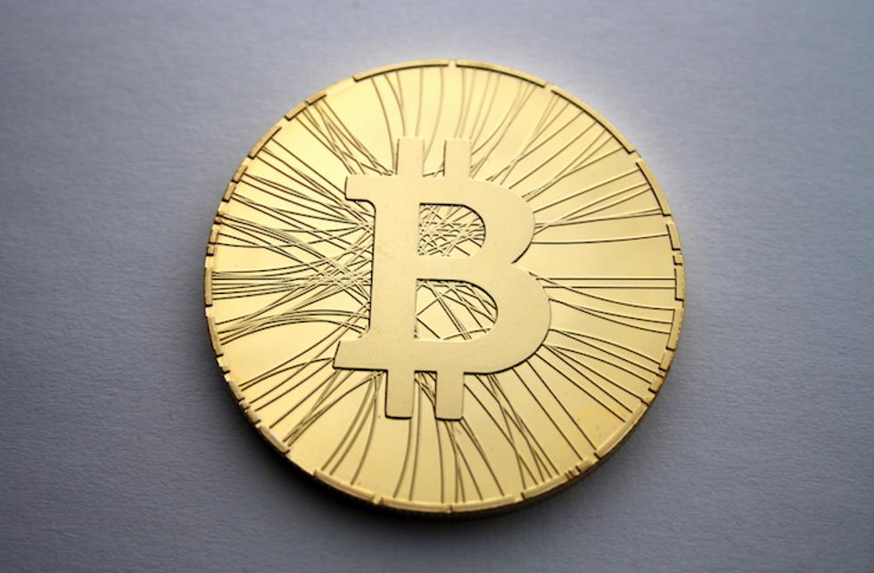 Bitcoin, Pechino impone lo stop
