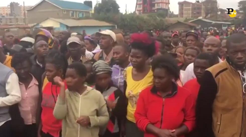Nairobi, crolla il soffitto in una scuola