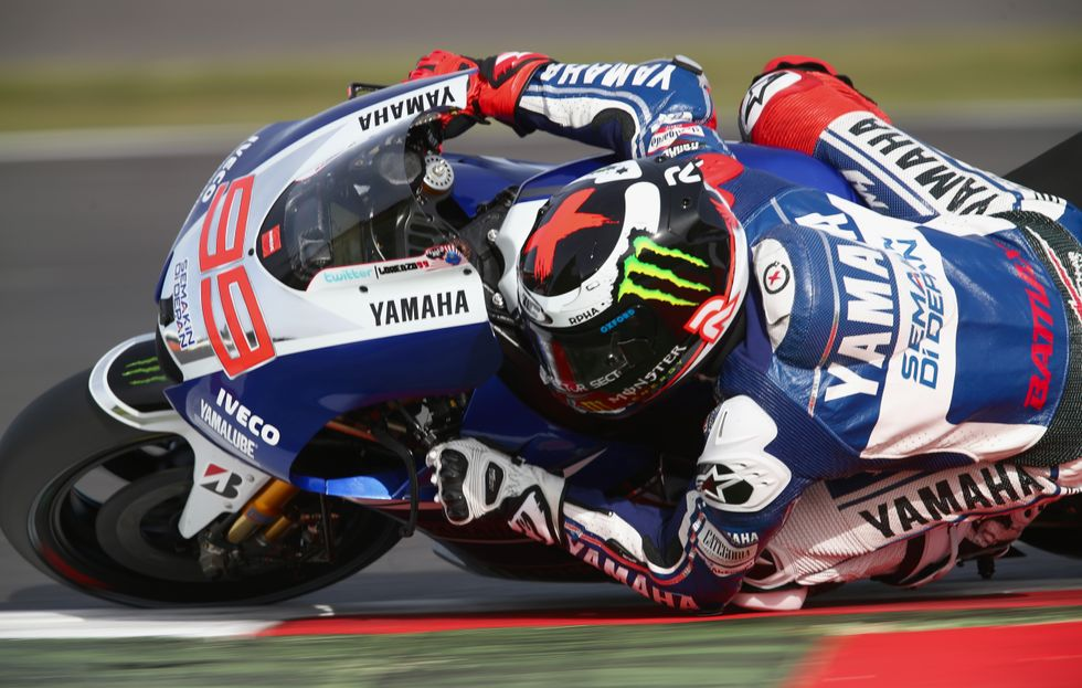 MotoGp, Gp Silverstone: Lorenzo firma il miracolo su Marquez