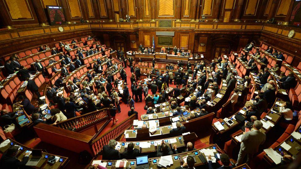 L'Italicum passa al Senato tra i dissidenti Pd e Fi