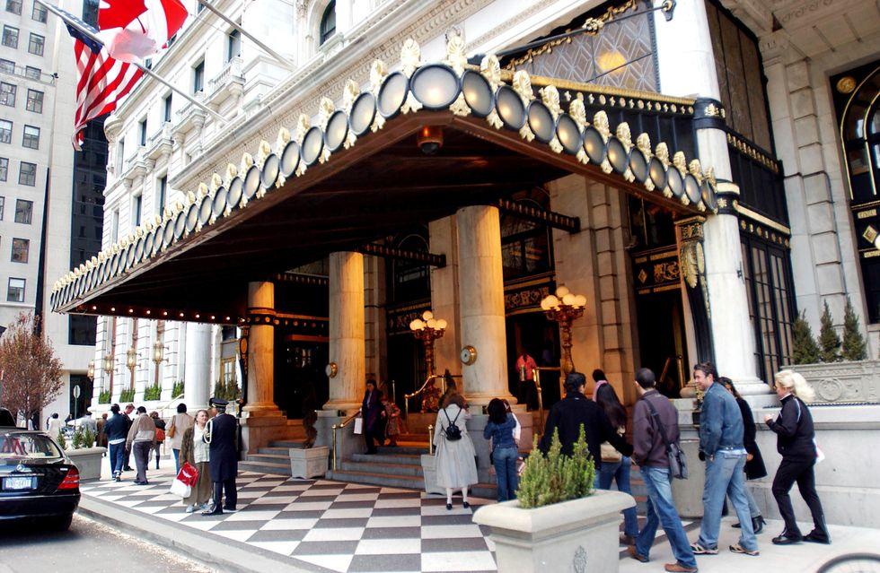NY, all'asta l'Hotel Plaza, set di amori, matrimoni e celebri film