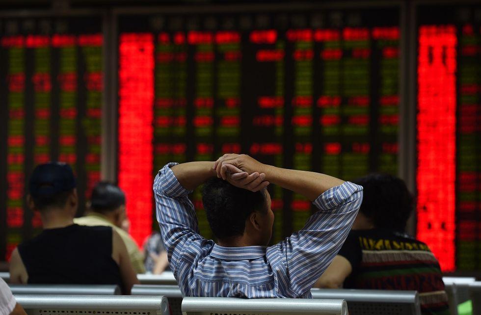 Cina, crollano le Borse. Ecco perché dovremmo preoccuparci