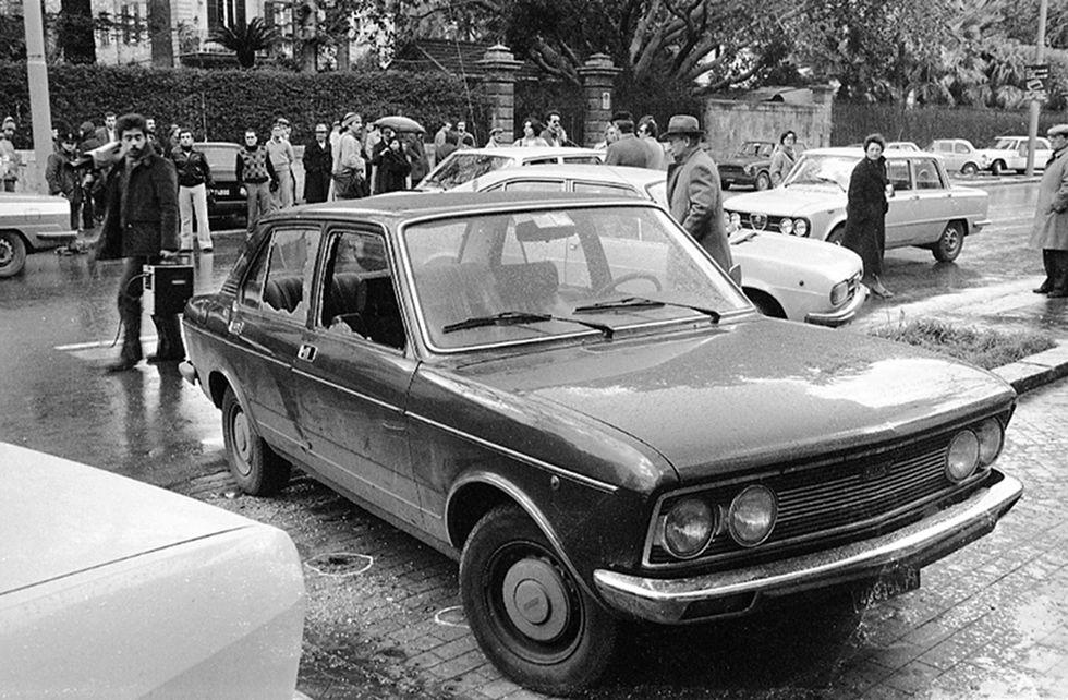 La macchina in via Libertà, luogo dell'agguato in cui è stato ucciso Piersanti Mattarella il 6 gennaio 1980 a Palermo
