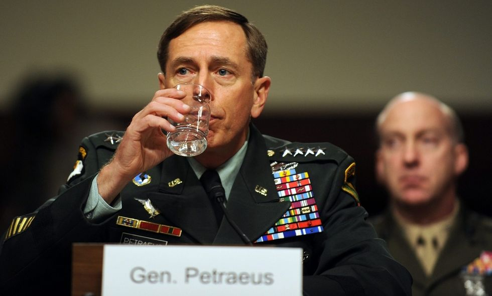 Caso Petraeus: lo scontro su Bengasi