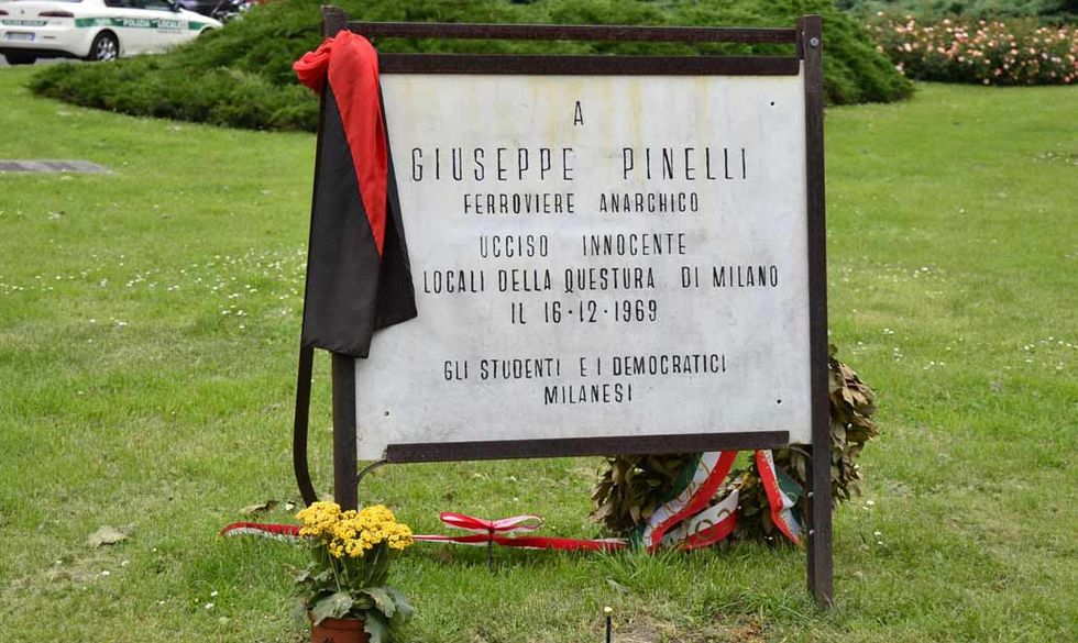 5 libri per ricordare Giuseppe Pinelli