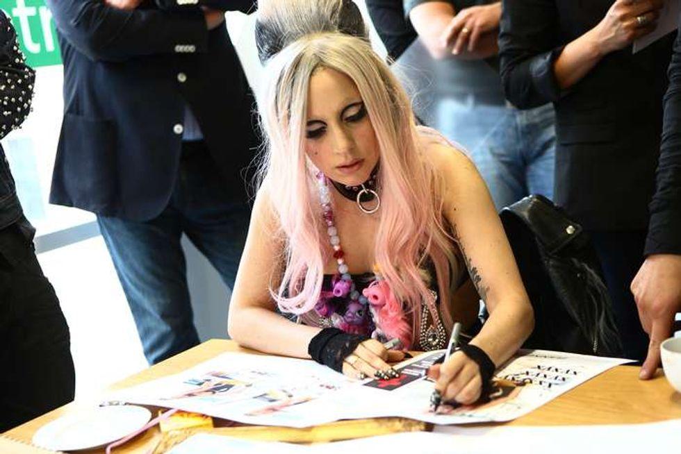 Gaga: caccia al fumetto che la ritrae