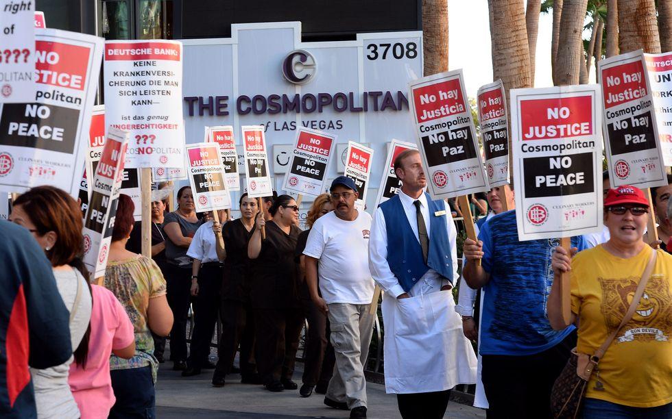 Las Vegas, i lavoratori di hotel e ristoranti minacciano lo sciopero