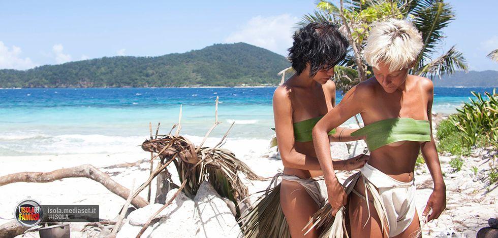 Isola dei Famosi 10: le Donatella sbarcano a Playa Desnuda