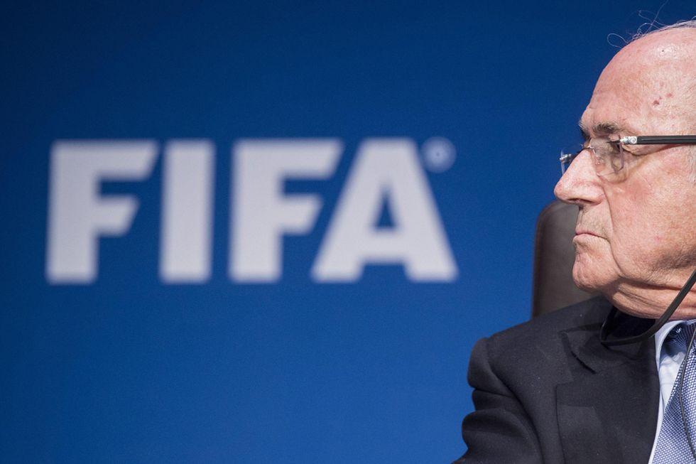 Scandalo Fifa: la Premier contro Blatter, mentre Putin attacca gli Usa
