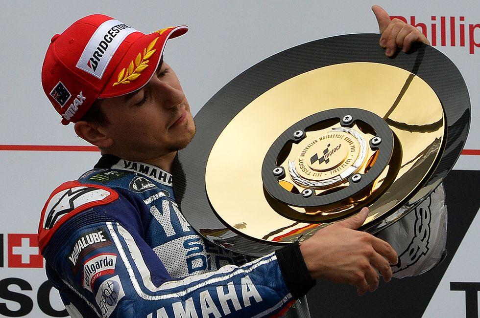 MotoGp: crollo Marquez, Mondiale riaperto