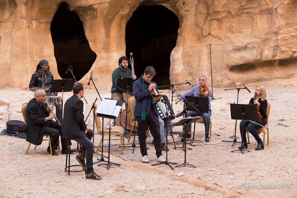 """Luca Aquino presenta """"Petra"""" a Torino con l'orchestra della Giordania"""
