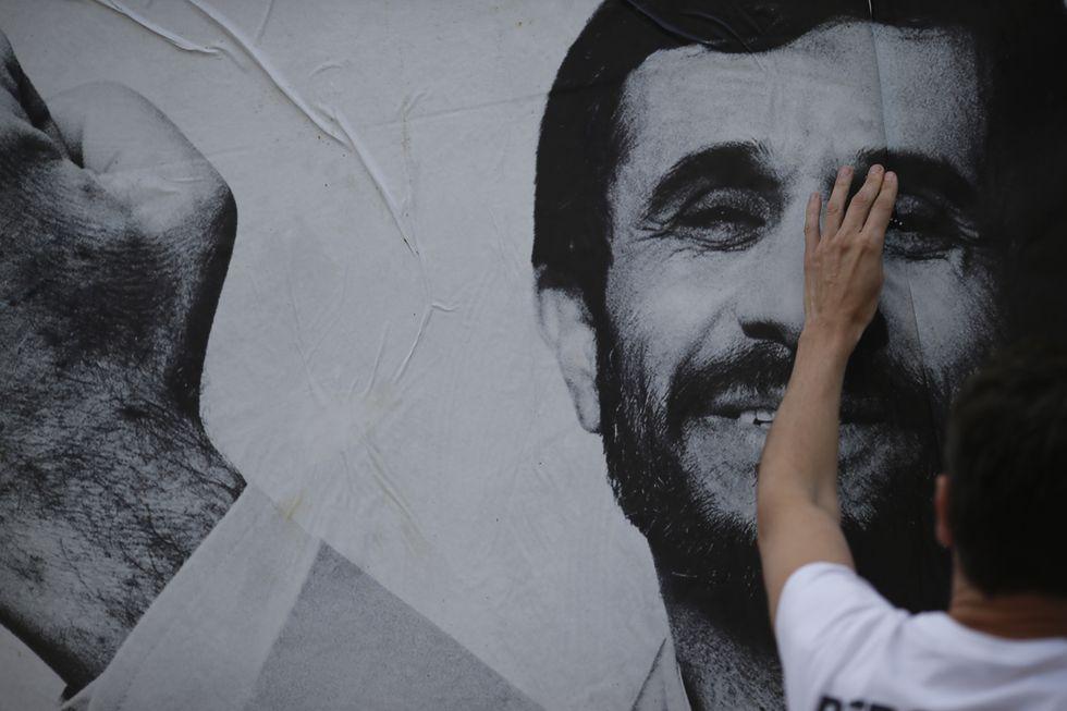 La rivolta iraniana e la vendetta dei Pasdaran contro Ahmadinejad