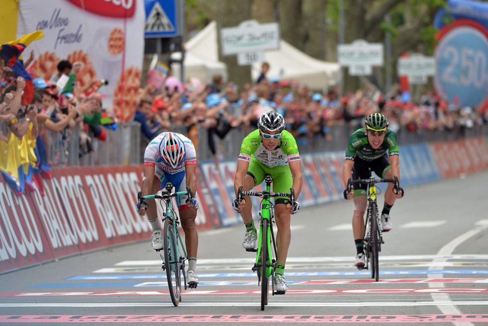 Giro: vince Canola prima di due tappe nel nome di Pantani