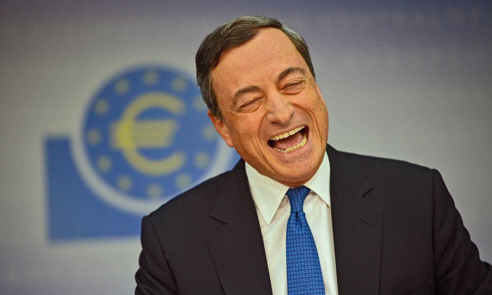 """Draghi vince la sua scommessa: """"Il Qe funziona, ecco perché"""""""