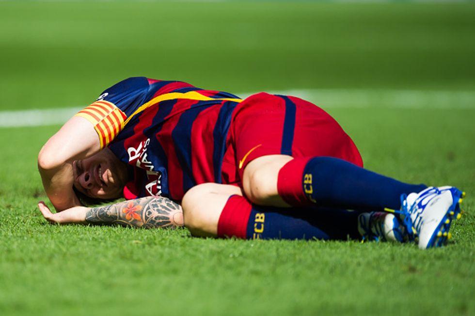 Messi crac e paura: legamento rotto e due mesi fuori