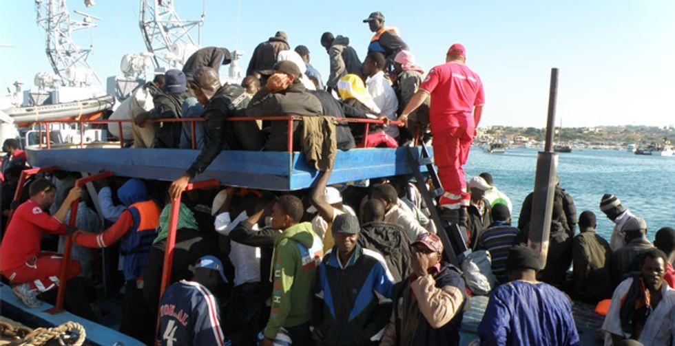 Immigrazione, i centri esplodono ma i migranti non restano