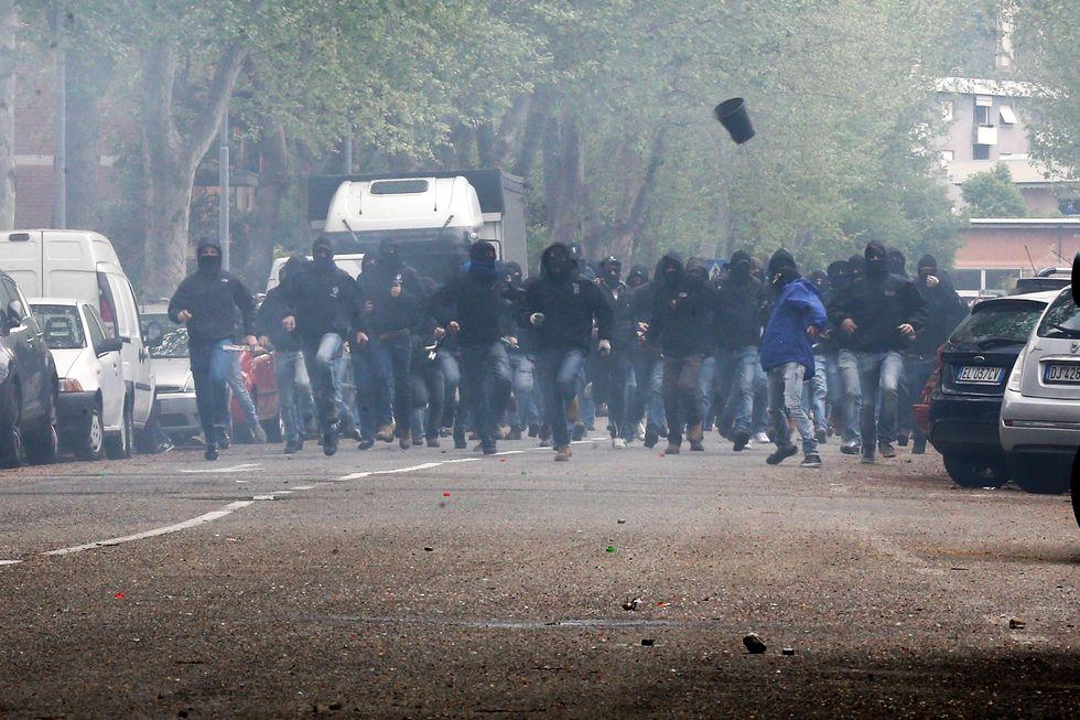 ultras incidenti scontri feriti stadi numeri statistiche viminale