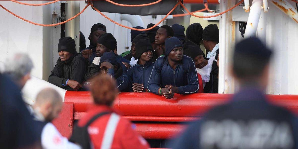 ocean Viking migranti nave