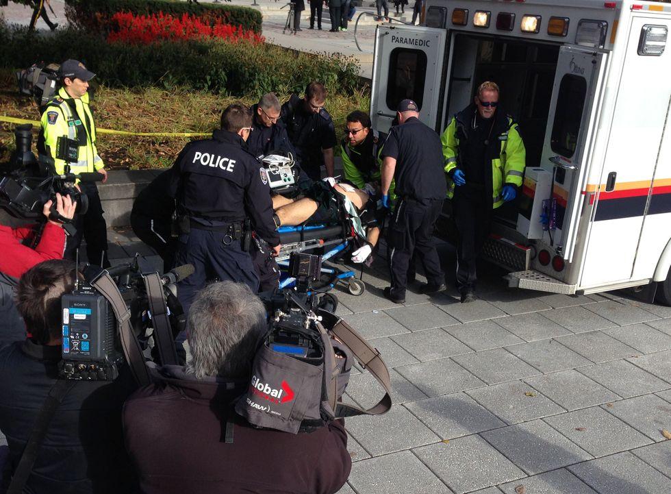 Pomeriggio di fuoco al parlamento canadese