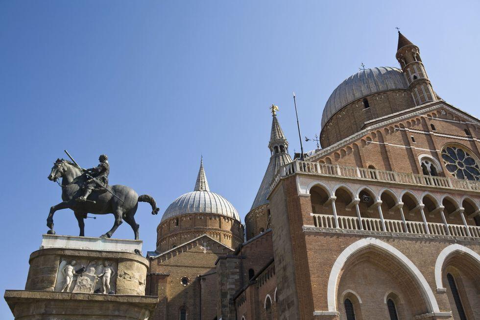 Il carabiniere che violentava le turiste straniere