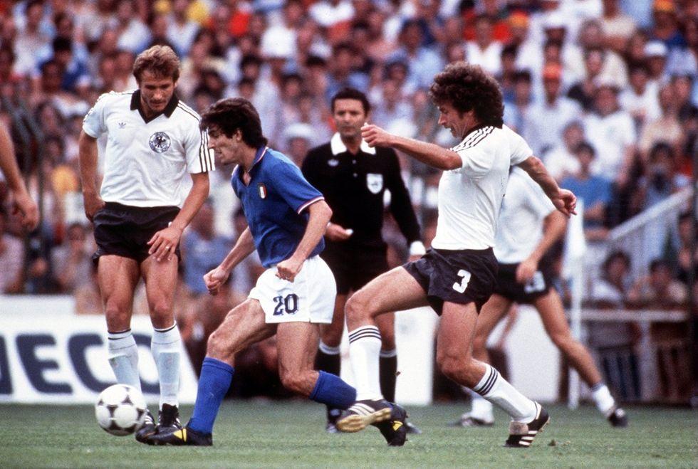 Paolo Rossi apre un'accademia per giovani calciatori