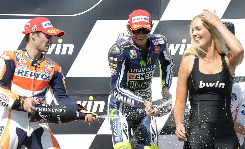 Rossi (con Pedrosa e Lorenzo) ferma Marquez