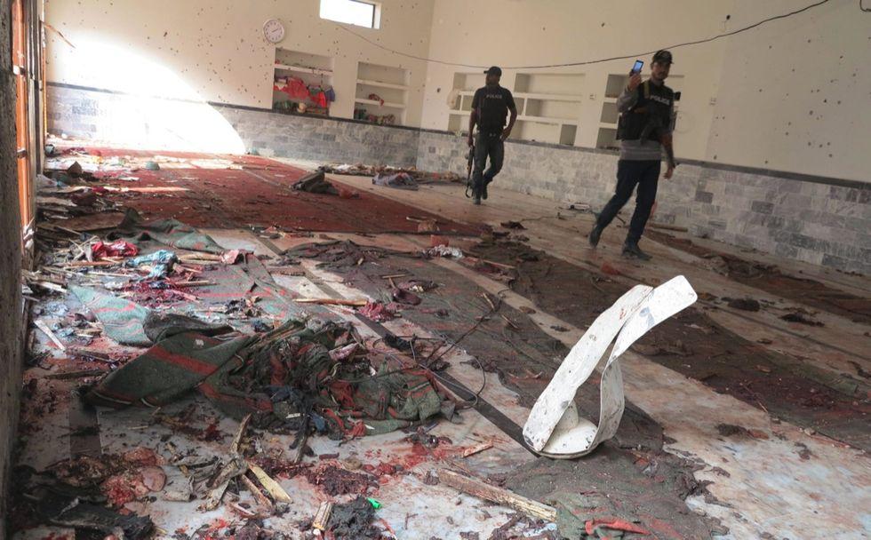 Pakistan, la strage nella moschea