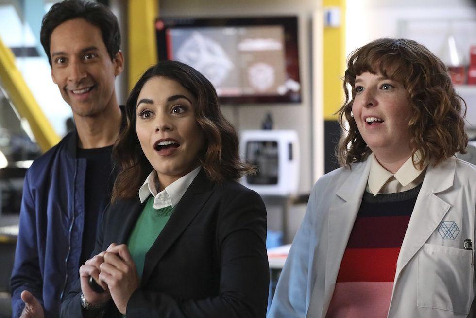 Powerless: una sitcom per ridere dei supereroi
