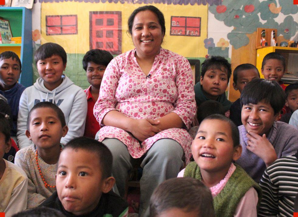 Hero 2012: la CNN sceglie Pushpa, la donna che aiuta i bambini nepalesi a uscire di prigione