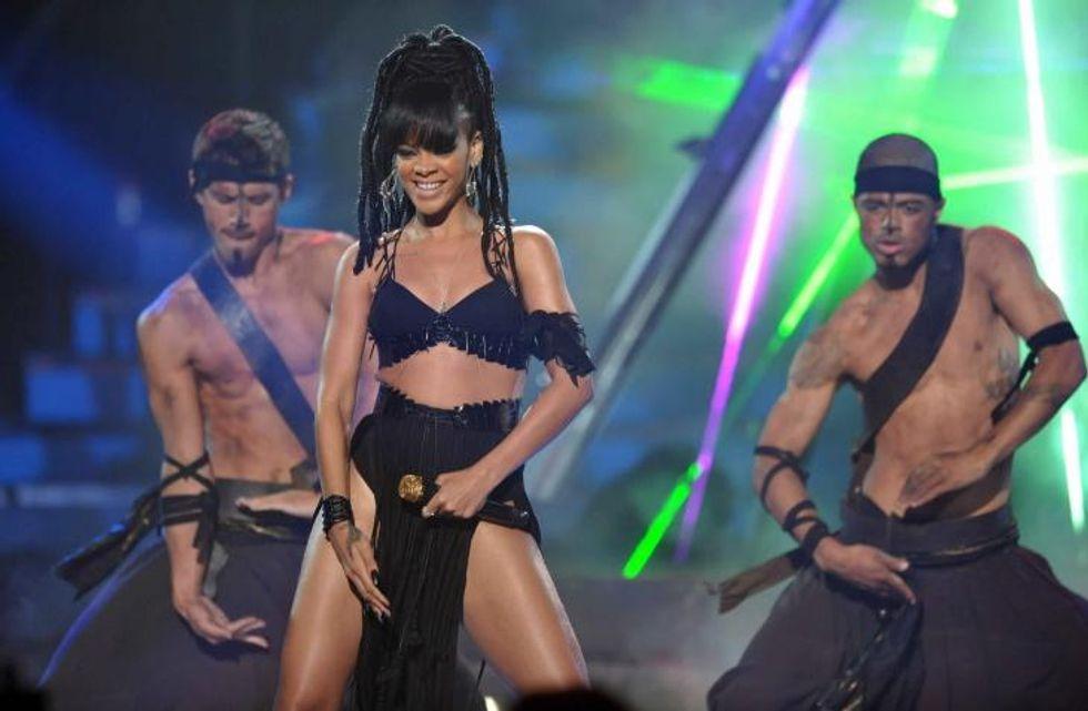 Sfida a colpi di boxe per Rihanna
