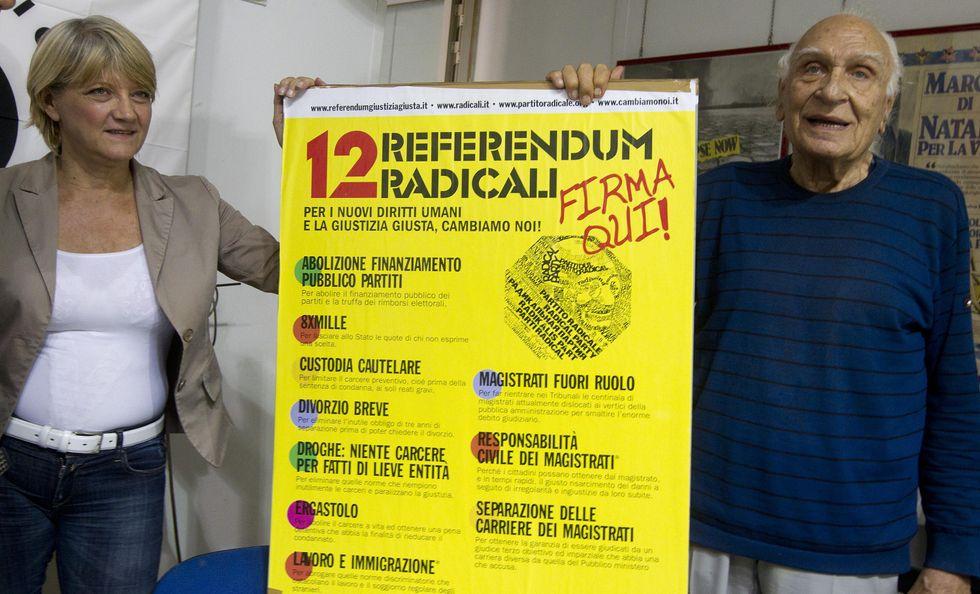 """""""Contro questa giustizia-ingiusta, firmate i referendum radicali"""""""