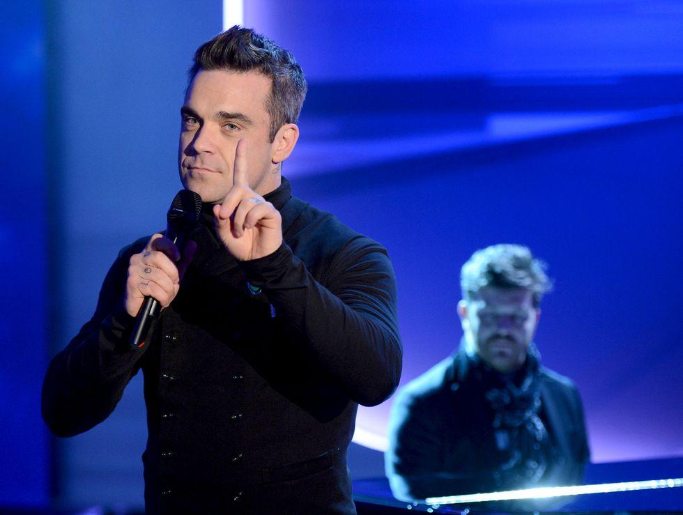 """Robbie Williams: """"Figlia mia ti auguro di non incontrare mai un uomo come me"""""""
