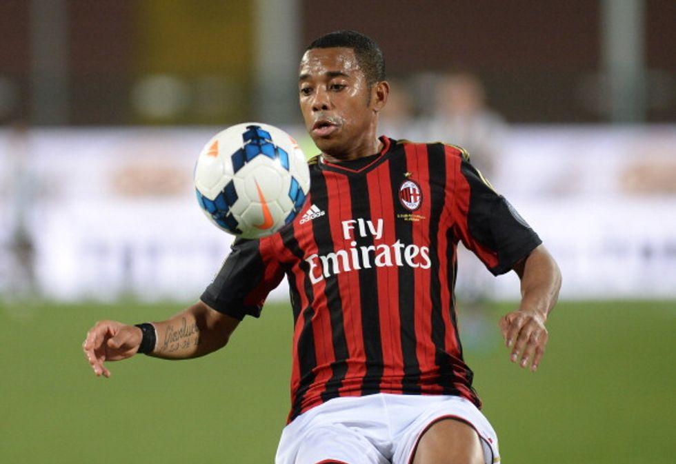 Robinho lascia il Milan ed è festa su Twitter