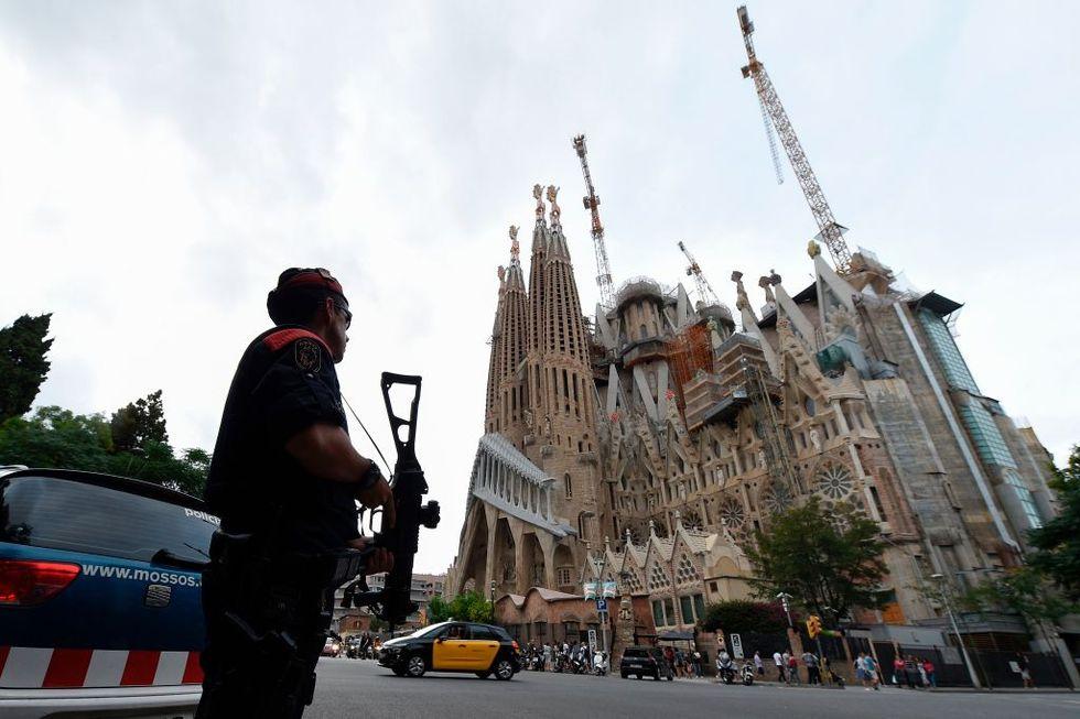 Barcellona, attentato terrorista sulla Rambla - FOTO e VIDEO